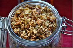 drobečky: Nedělní snídaně: granola s javorovým sirupem a oře... Granola, Muesli, Pasta Salad, Cereal, Beans, Food And Drink, Vegetables, Breakfast, Ethnic Recipes