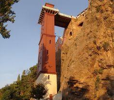 "Asansör, Turkey Asansör (Turkish for ""elevator"") is a historical building in İzmir's Karataş quarter, within the boundaries of the metropolitan district of Konak."