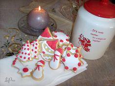 Biscotti natalizi Biscotti, Cake, Desserts, Food, Gastronomia, Pie Cake, Tailgate Desserts, Pastel, Meal