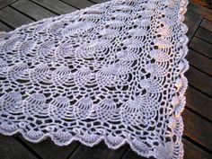 Ravelry: No.5 Pineapple triangle shawl (パイナツプル編みの三角シヨール) pattern by Masako Omae (大前成子)