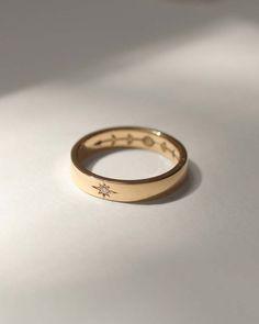 Pretty Wedding Rings, Stacked Wedding Rings, Pretty Rings, Diamond Wedding Rings, Wedding Bands, Simple Jewelry, Cute Jewelry, Gold Jewelry, Jewelery