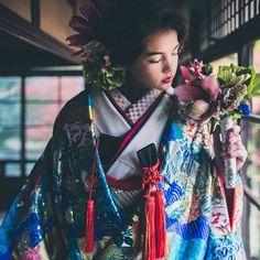 . おはようございます。 祝日を除き、毎週水曜日はお休みをいただいております。 . http://cucu-ru.com . #CUCURU #花嫁 #プレ花嫁 #和装 #着物 #白無垢 #引振袖 #色打掛 #色 #カラフル #結婚式準備 #結婚式 #日本 #伝統 #kimono #wedding #WeddingStyling #Styling #ideas #bride #bridestyle #hair #make #marry #originalwedding #coordinate #beautiful #colorful #japan #tokyo