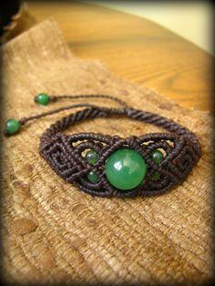 画像1: 癒しの石グリーンアベンチュリンのマクラメ編みブレスレット*ハンドメイド*天然石 (1)