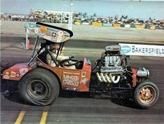 Vintage Drag Racing - Altereds - THE WILD MAN - WILLIE BORSCH AT THE WHEEL !