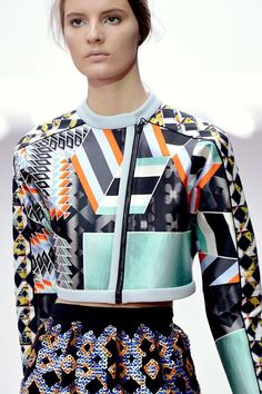 Bold mixed prints combination - angles, shapes and colours; pattern fashion // P. Runway Fashion, High Fashion, Fashion Beauty, Fashion Show, Womens Fashion, Fashion Art, Geometric Fashion, Geometric Prints, Neoprene