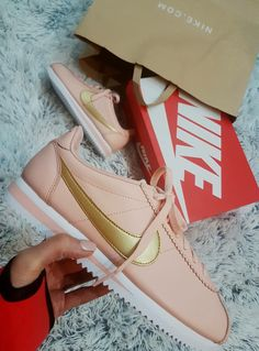 Wmns Nike Cortez Pale Pink