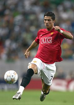 I like this picture because I think it was a picture that was taking at a really good moment. I also like this picture because he is my favourite soccer player. The article said that Ronaldo is wanted be Manchester. But Ronaldo does not want to he is worth 135 million € or more