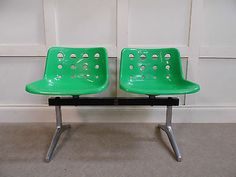 Stylish Vintage Retro Hille Robin day POLO 2 seater airport bench chairs 70s 80s