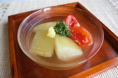 冬瓜とトマトの冷やし鉢 by sayu / お出汁がよくしゅんだ冬瓜とトマトはあっさり味なので夏バテで食欲がない時にもピッタリです。よく冷やしてから召し上がってください。 / Nadia