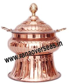 Online you will find several copper chafing dishes manufacturers. Visit here:- http://articles.org/look-for-copper-chafing-dishes-manufacturer/