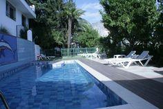 Otra vista de la piscina
