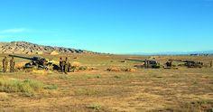 Azerbaycan ordusu tatbikat yaptı.   Azerbaycan Silahlı Kuvvetleri Füze ve Topçu birlikleri tatbikat gerçekleştirdi.   Azerbaycan Savunma Bakanlığından yapılan açıklamada, Savunma Bakanı Zakir Hasanov'un onayladığı plana göre Füze ve Topçu birliklerinin tatbikat yaptığı bildirildi.   Optik ve radyoteknik keşif araçları ile insansız hava araçlarının da kullanıldığı tatbikatta, temsili düşman hedeflerinin füze ve toplardan açılan ateşle imha edildiği belirtildi.   Bakan Hasanov'un birli