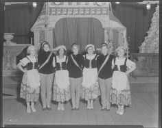 Saint Louis Schwabenfest performers at Triangle Park, 4106 South Broadway. Photograph taken by Isaac Sievers for Sievers Studio in 1931. Sievers Studio Collection, Missouri History Museum.