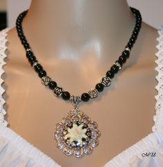 Perlenkette mit echtem Edelweiß von Edelweiss51 auf Etsy