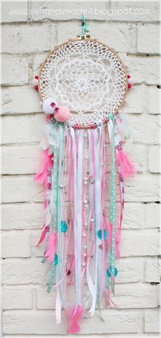 Pink and mint dreamcatcher diy
