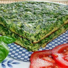 Кюкю (Kükü) - это блюдо персидской и азербайджанской кухни. Представляет собой омлет из взбитых яиц и с большим количеством зелени