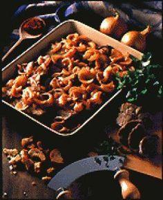 Boeuf Mironton : Une recette de boeuf mijotée à base d'oignons, tomate & persil 15 min de préparation // 40 min de cuisson #recette #cuisine #viande #boeuf