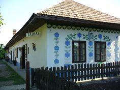 """Búzavirágos parasztház, Ipolyszalka (Ipolyszalka vagy Szalka község """"Egész Magyarország"""" területén, a Nyitrai kerület Érsekújvári járásában.)"""