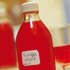 Seasonal Food, Hot Sauce Bottles, Vintage Postcards, Food Pictures, Lemonade, Berries, Goodies, Food And Drink, Recipes
