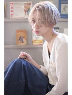 EMMA☆03ー6427ー5114♪ ホワイトアッシュ×刈り上げボブ Girl Short Hair, Short Hair Cuts, Short Hair Styles, Tomboy Hairstyles, Bob Hairstyles, Bob Hair Color, Cabello Hair, Hair Setting, Hair Magazine