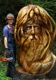 Frost creates sculpture in situ using chain saws.Andrew Frost creates sculpture in situ using chain saws. Chainsaw Wood Carving, Wood Carvings, Chain Saw Art, In Natura, Tree Carving, Tree Sculpture, Metal Sculptures, Abstract Sculpture, Bronze Sculpture