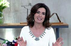 Fátima Bernardes distribui geladeiras para toda a plateia   Notas TV -Debora Maria I Yahoo TV. ´´Que generosidade! ´´.