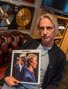 Weller, Black Barn Studio. The Style Council, Paul Weller, King Quotes, Black Barn, Rock News, Bowie, Wall Hangings, The Beatles, Rock And Roll