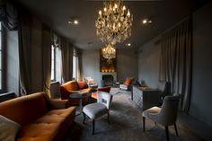 Reception area Hotel Ligaro, Jarnac. Cognac region of France. Close to Angoulême & Cognac golf clubs. Gourmet restaurant