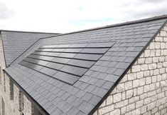 5 Roofing Alternatives You May Not Have Considered These 6 Ideas Can Be Used as Roofing Materials: Are Solar Shingles A Good Roofing Option? Roofing Options, Roofing Materials, Solar Energy Panels, Best Solar Panels, Solar Shingles, Roofing Shingles, Diy Roofing, Asphalt Roof Shingles, Corrugated Roofing