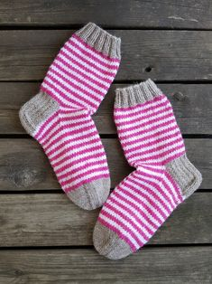 Knitting Socks, Baby Knitting, Ravelry, Tights, Slippers, Crafty, Embroidery, Crochet, Decor
