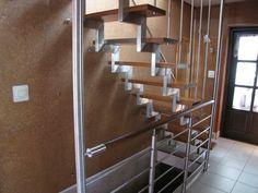 Specjalizujemy się w produkcji  balustrad przy schodach i balkonowych, poręczy, schodów, bram. Nasze wyroby wykonywane są ze stali nierdzewnej, które wyróżnia   wysoka jakość  wykonania. Dodatkowo cechuje je niepowtarzalny wygląd. Nasze usługi i produkty wykonujemy dla klientów indywidualnych jak i dla firm. Staramy się , aby nasze wzornictwo było różnorodne a tym samym spełniało oczekiwania  naszych klientów Tel.887845870 E.mail.balustrady2000@interia.eu
