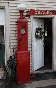 Résultats de recherche d'images pour «bennett shotwell gas pump»