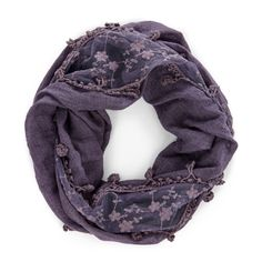 Sole Society - Lightweight Infinity with Poms - Dark Grey. Love the details on that infinity scarf Pretty Outfits, Cute Outfits, Purple Scarves, Soft Summer, Up Girl, Neck Scarves, Womens Scarves, Models, Fashion Accessories