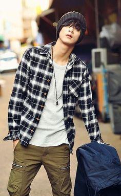 won jong jin...men's casual style...plaid shirt, beenie, tshirt and cargo pants.:
