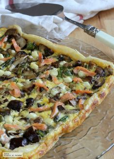 Asparagus, mushroom and salmon cake, ideal recipe to take to the beach cake recipes unicornio cake cake de carne de tortilla salados individuales Quiches, Healthy Menu, Healthy Recipes, Healthy Chicken, Healthy Foods, Vegetable Recipes, Vegetable Pizza, Salmon Cakes, Empanadas