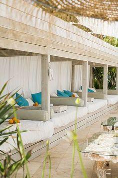 Atzaro Beach, stylish beach restaurant by famed Agroturismo | Ambientes de Inspiração Marítima | Pinterest