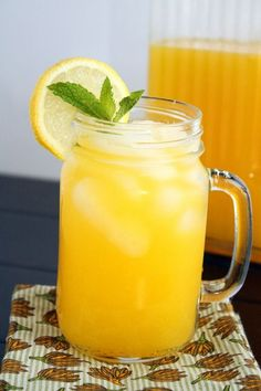 Lemonade Mango Lemonade - Fresh sweet mango mixed into tart lemonade – the perfect beverage for summer!Mango Lemonade - Fresh sweet mango mixed into tart lemonade – the perfect beverage for summer! Refreshing Drinks, Fun Drinks, Yummy Drinks, Healthy Drinks, Beverages, Healthy Recipes, Mango Drinks, Party Drinks, Mixed Drinks
