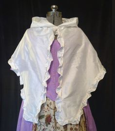 Fine Silk Mantle with Hood 18th Century Accsessory by KjirstenSkye, $65.00
