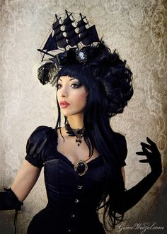 gina-xanadu: Ship headdress by Black Unicorn ^^  https://www.etsy.com/shop/BlackUnicornShop