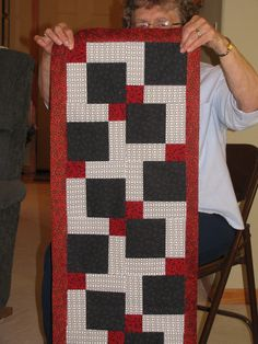 foto 7: start with a little project for the first time to a quilt...Disappearing nine-patch table runner