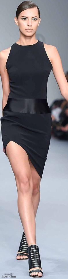 ◽️ Lorena Saravia SS16 sexy y sencillo mucho estilo