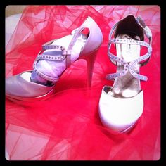 "5"" never worn cream-colored heels Going to the prom?  Getting married?  Be the belle of the ball in these gorgeous, never been worn, 5"" cream-colored satin heels with tiny rhinestones!  Stylin at its finest! Jomax Shoes Platforms"