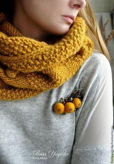 maisy's mustard ᶜᴼᵀᵀᴬᴳᴱ Mellow Yellow, Mustard Yellow, Felt Brooch, Textile Jewelry, Bijoux Diy, Brooches Handmade, Hello Autumn, Shades Of Yellow, Felt Art