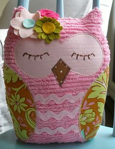 quilted owl pillow   #sewing