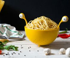 Flying Spaghetti Monster Colander – Don't let his pretty eyes fool you, this spaghetti monster is a straining master. And if you're planning a spaghetti dish, this noodly master will grant Kitchen Utensils, Kitchen Gadgets, Kitchen Dining, Flying Spaghetti Monster, Spaghetti Noodles, Take My Money, Geek Gifts, Corporate Gifts, Great Recipes