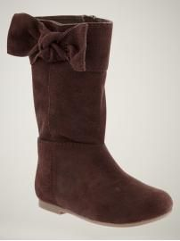 suede boots, love the bow