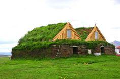 Casas de césped en el techo.  #casas #bioconstrucción #arquitectura_sustentable #cubiertas_vegetales #techosverdes