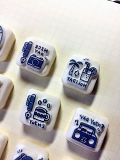 """ericさんのツイート: """"ranbuさんに納品したはんこは、文房具柄メインで、ひとつだけハワイ感漂うはんこもあります。 めっちゃホリデイ⛱… """""""
