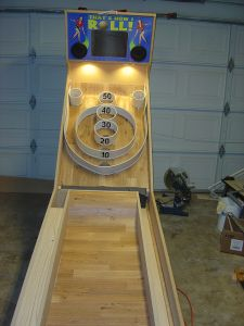 This guy is building his own skeeball machine!! Incredible!! That's How I Roll! (Skeeball build)