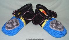 ideas crochet kids slippers crafts for 2019 Crochet Baby Clothes Boy, Baby Boy Crochet Blanket, Crochet Baby Booties, Fingerless Gloves Crochet Pattern, Crochet Headband Pattern, Crochet Slippers, Crochet Squares Afghan, Afghan Crochet Patterns, Beginner Crochet Projects
